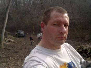 vitéz 43 éves társkereső profilképe