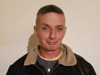 Azsolti 46 éves társkereső profilképe