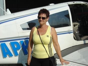 kriszta44 48 éves társkereső profilképe
