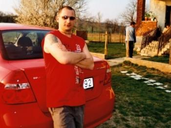 Doby 39 éves társkereső profilképe