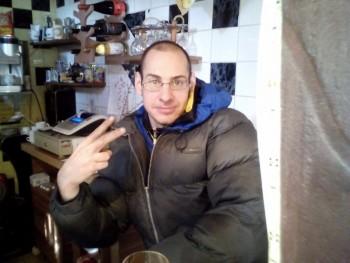 latorka92 28 éves társkereső profilképe