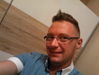 FodorBalázs 35 éves társkereső profilképe