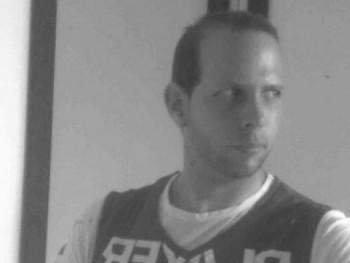 Ádáj32 37 éves társkereső profilképe