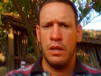 sanyiwest 35 éves társkereső profilképe