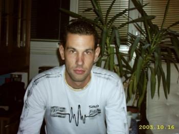 Ricsi82 38 éves társkereső profilképe