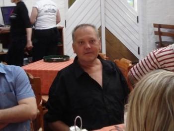 Petya44 48 éves társkereső profilképe