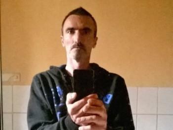 attila7103 49 éves társkereső profilképe