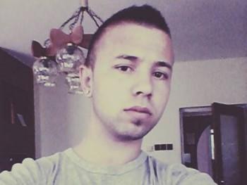 jozsi18 24 éves társkereső profilképe