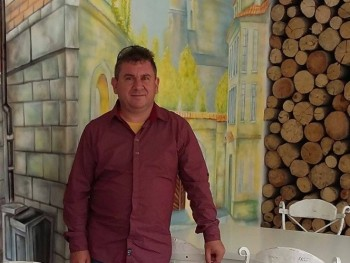 Dextone 46 éves társkereső profilképe