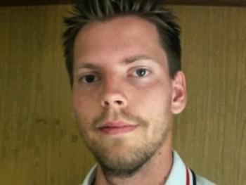 Adam127 28 éves társkereső profilképe