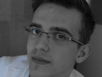 Derossi Roncalli 21 éves társkereső profilképe
