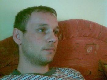 tomi800 37 éves társkereső profilképe