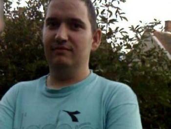Szilard 31 35 éves társkereső profilképe