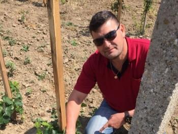flaci 52 éves társkereső profilképe