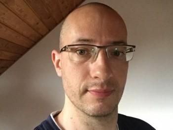 krisz180 42 éves társkereső profilképe