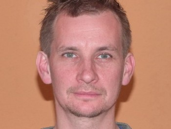 KollerTom 44 éves társkereső profilképe