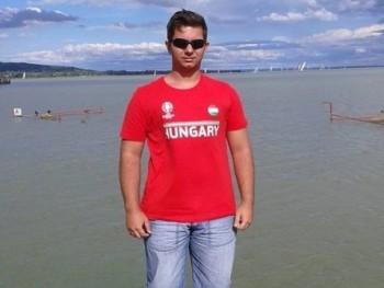 Macsek Zoltán 21 éves társkereső profilképe