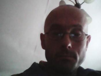 miki7763 43 éves társkereső profilképe