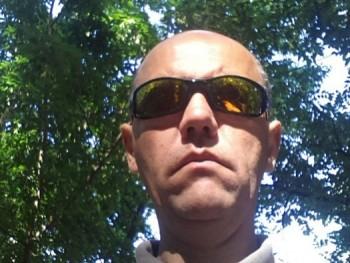 paragi vidor 45 éves társkereső profilképe