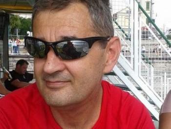 Tomcsi 54 éves társkereső profilképe