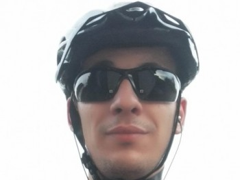TechR 31 éves társkereső profilképe