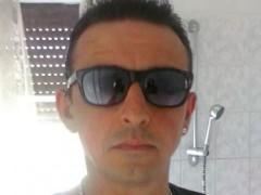 loui - 49 éves társkereső fotója