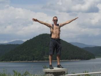 laszlo87 33 éves társkereső profilképe