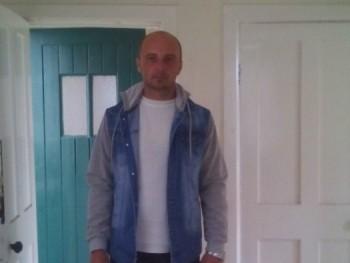 Janos 34 37 éves társkereső profilképe
