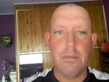 koós gábor 44 éves társkereső profilképe