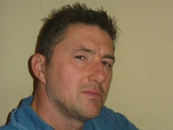 zszs 45 éves társkereső profilképe