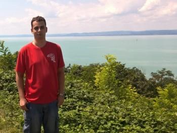 IvánZoltán02 33 éves társkereső profilképe