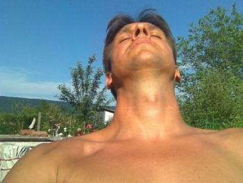 morgo 50 éves társkereső profilképe