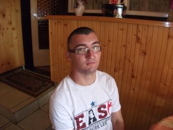 janikertesz 32 éves társkereső profilképe
