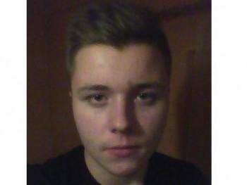 stengreen 21 éves társkereső profilképe