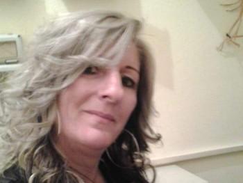 Ercs 48 éves társkereső profilképe
