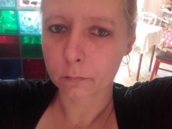 Kiss Ildikó 49 éves társkereső profilképe
