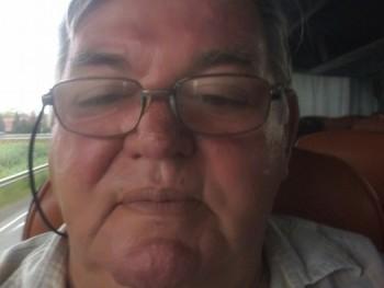 Lehetséges 70 éves társkereső profilképe