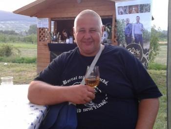 Nagytesó975 45 éves társkereső profilképe
