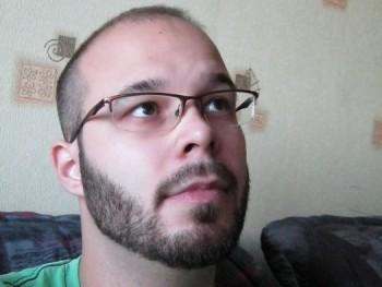 burey 30 éves társkereső profilképe