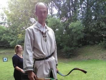 Lovas íjász 45 éves társkereső profilképe