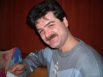 Tinyo 49 éves társkereső profilképe
