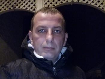 Sonangol 47 éves társkereső profilképe