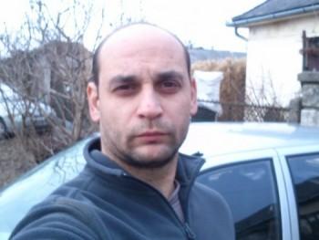 HR Krisztián 40 éves társkereső profilképe