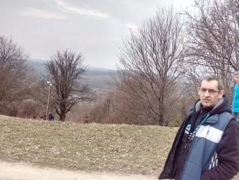 attila974 45 éves társkereső profilképe