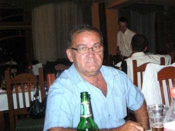 Károly01 67 éves társkereső profilképe