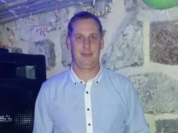 clod 34 éves társkereső profilképe