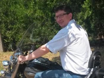 József5 47 éves társkereső profilképe