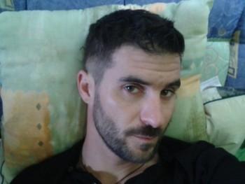 zoty0709 37 éves társkereső profilképe