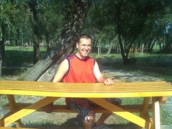 arnold75 46 éves társkereső profilképe