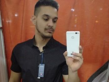 hornyak csaba 27 éves társkereső profilképe